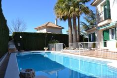 STUNNING 4 BED 2 BATH DETACHED CHARACTER HOME WITH PRIVATE POOL AND USE OF COMMUNAL POOL IN A LOVELY GARDEN SUBURB JUST 10 MINS FROM MURCIA CITY AND 35 MINS FROM THE AIRPORT