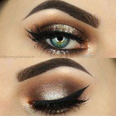 Gorgeous holiday makeup @georgiarosex ✨✨✨ #vegas_nay