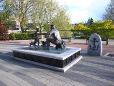 Homecoming sculpture for 100th anniversary of Canadian Navy