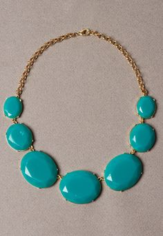 love this torquoise and gold necklace.
