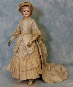 17-Antique-Bisque-French-Fashion-4-doll-Blue-glass-eyes-Leather-body-Dressed