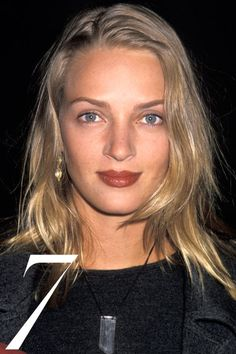 18 iconic beauty icons of the including matte skin, brick-red lips, unstyled hair: Uma Thurman. Mia Wallace, 90s Icons, Makeup Looks For Brown Eyes, 90s Girl, Dark Lipstick, 90s Hairstyles, Spring Hairstyles, Actrices Hollywood, Black Wig