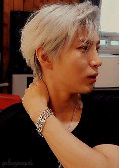 ⋆˚drifting & daydreaming˚⋆ — fast-er-view ☆ taekwoon N Vixx, Ravi Vixx, Nct, Jung Taekwoon, Jellyfish Entertainment, Asian Love, Korean Entertainment, Papi, Korean Men