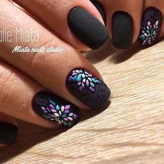 So pretty and dainty! #DIYNailDesigns