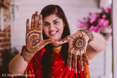 The mehndi party takes place! Indian Wedding Poses, Indian Bridal Photos, Indian Wedding Couple Photography, Mehendi Photography, Bride Photography, Mehndi Party, Bridal Mehndi, Wedding Mehndi Designs, Bridal Poses