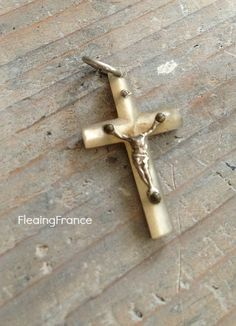 FleaingFrance....Mother of Pearl Cross