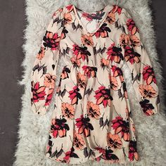 New floral dress! Never worn, would fit a Small or Medium  Dresses
