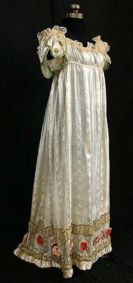 ptp-rlc: French dress from 1810 with a very low neckline. Indianapolis Museum of Art.Accession number:2008.748
