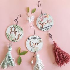 Chalk Crafts, Diy And Crafts, Cd Diy, Repurposed Items, Decoupage, Stencils, Christmas, Key Fobs, Wood Paintings