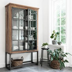 Tough cabinets in a tough interior - Living Room Inspiration, Home Decor Inspiration, Decorating Your Home, Interior Decorating, Interior Styling, Interior Design, Glass Cabinet Doors, Home Living Room, Kitchen Decor
