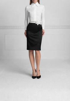 Anne Fontaine White Armentine Blouse. Size 38. Retail Price: $250. Modo price: $60! www.modoboutique.com