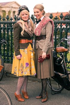 Goldfields Girl and Finding Femme at the FedUni Tweed Ride, Ballarat Heritage Weekend 2014.