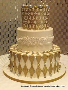 Happy birthday to the Queen of your family desserts cakes