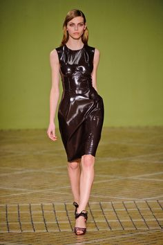 Jonathan Saunders at London Fashion Week Fall 2013 - Runway Photos