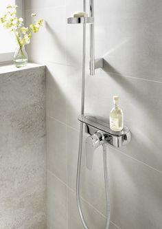 Meuble de salle de bain et lavabo faible profondeur avec rangement ferm et tag res ouvertes - Douche en circuit ferme ...
