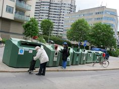 garbage-sorting-at-the-recycling-station