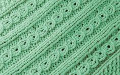 Hvordan strikke falske fletter – lær deg teknikken - Søstrene Miljeteig Blanket, Crochet, Fashion, Moda, Fashion Styles, Ganchillo, Blankets, Cover, Crocheting