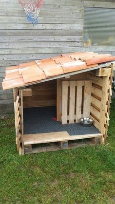 DIY Dog House Ideas Your best friend will absolutely love # . - DIY Dog House Ideas Your best friend will absolutely love you - Pallet Dog House, Dog House Plans, House Dog, Dog House From Pallets, Out House, Luxury Dog House, Portable Dog Kennels, Canis, Container Water Gardens