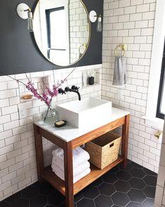 Favorite Before + After Transformations of OWENS – Anni – Badezimmer Powder Room Vanity, Powder Room Decor, Powder Room Design, Powder Rooms, Beautiful Bathrooms, Modern Bathroom, Small Bathroom, White Bathrooms, Luxury Bathrooms