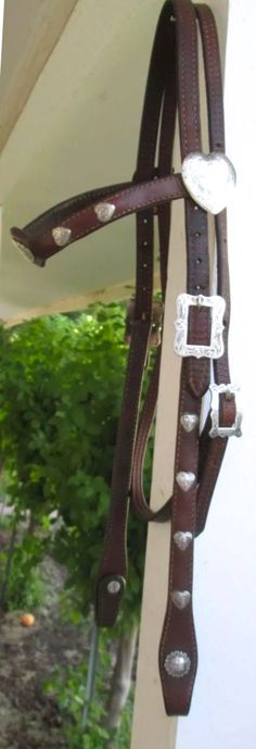 SHOWMAN Antique Brown Steel Western Pleasure Horse /& Rider gravé Silver Spurs