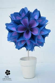 Kusudama -- cute gift idea. baby's room.