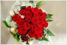 赤い薔薇の花束/ Red rose bouquet for propose
