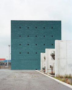 noAarchitecten - Petrol substation, Antwerp 2010. Via, photos...