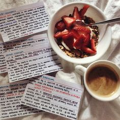 Flashcards + healthy food study inspiration by: naomibaldacchino 📚 School Motivation, Study Motivation, Study Skills, Study Tips, University Tips, Study Organization, Pretty Notes, Study Hard, School Notes