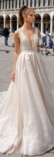 Julie Vino Spring 2018 Wedding Dress -Venezia Bridal Collection – Photo World Formal Bridesmaids Dresses, Wedding Dresses 2018, Bridal Dresses, Bridal Collection, Dress Collection, Spring Collection, Pretty Dresses, Beautiful Dresses, Day Dresses