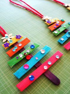 20+bricolages+de+Noël+à+partir+de+bâtonnets+d'esquimaux+pour+vos+enfants