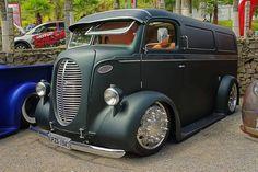 old ford trucks Pickup Camper, Old Pickup Trucks, Old Ford Trucks, Lifted Trucks, Diesel Trucks, Lifted Ford, Pick Up, Vw Mk1, Classic Ford Trucks