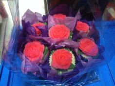 Flower bouquet cupcake cake14