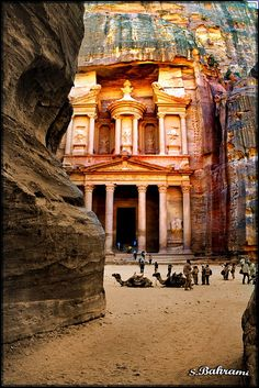 Rose City of Petra Places Around The World, Oh The Places You'll Go, Places To Travel, Places To Visit, Around The Worlds, Wonderful Places, Beautiful Places, Detail Architecture, City Of Petra
