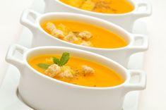 La Crema de Zanahoria acompañada de queso blanco y pan tostado es la tentación incomparable para cualquier paladar. Haz la receta y descubre todo su sabor... Ideal para el almuerzo o la cena.