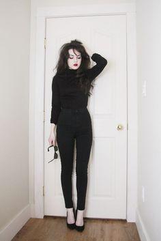 all black outfit casual - Outfits ta Fashion Mode, Dark Fashion, Gothic Fashion, Autumn Fashion, Grunge Punk Fashion, Trendy Fashion, Punk Outfits, Fashion Outfits, Fashion Clothes