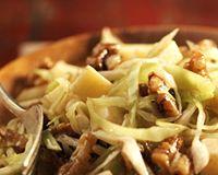 Salade de chou blanc, comté et noix