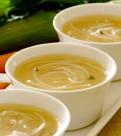 Granny's Chicken Noodle Soup: A great chicken noodle soup will always bring back many fond memories of our grandmothers or mothers making this when we were not feeling well – try out this and continue the tradition! Crockpot Recipes, Soup Recipes, Dinner Recipes, Weekly Meal Planner, Hot Soup, Chicken Noodle Soup, Meals For The Week, Soups And Stews, Easy Meals