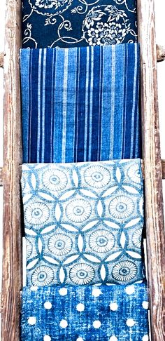 love these blue dyed linens Blue And White Fabric, Blue Fabric, Linen Fabric, Fabric Patterns, Print Patterns, Blue Patterns, Shibori, Love Blue, Vintage Textiles
