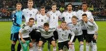 Alemanha busca o tetra com a base do poderoso Bayern de Munique O goleirão Neuer, a revelação de 2010, Muller, e o capitão Lahm tentam levar à seleção o entrosamento de um dos clubes gigantes do futebol europeu. 13/05/2014.