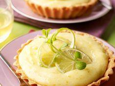Découvrez la recette Tarte au citron vert sur cuisineactuelle.fr.