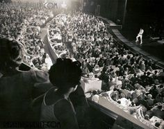 On July 31, 1969, #Elvis experienced his first sold out show at The International with 2,000 fans. #Vegas #TBT
