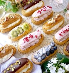 簡単♪失敗無のシュークリーム♪エクレアも by s_cafe12 【クックパッド】 簡単おいしいみんなのレシピが297万品 Sushi, Sweets, Cookies, Cream, Ethnic Recipes, Desserts, Food, Drink, Recipes