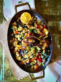 Roasted Veggie Quinoa Salad http://www.thetalkingkitchen.com/roasted-veggie-quinoa-salad/