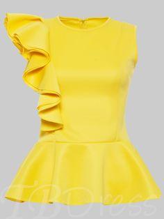 Advice On Buying Fashionable Stylish Clothes – Clothing Looks African Fashion Dresses, Hijab Fashion, Fashion Outfits, Fashion Trends, Blouse Styles, Blouse Designs, Hijab Stile, Blouse And Skirt, Peplum Blouse