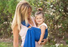 Découvrez le portage léger avec le porte-bébé Lucky Sling Sukkiri couleur bleu électrique  http://www.lilinappy.fr/porte-bebe-sling-sukkiri-bleu-electrique.html