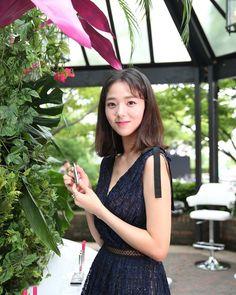 잇다 브랜드 런칭을 축하드립니다! 어제 너무 즐거웠어요😊 #LIZK #itDa #리즈케이 #김청경 #잇다매직라인 Korean Actresses, Asian Actors, Korean Actors, Actors & Actresses, Chae Soobin, Ulzzang, The Man Who Laughs, My Love From Another Star, Blind Girl