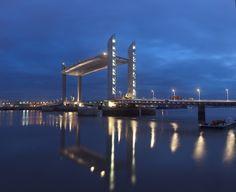 Pont Jacques-Chaban-Delmas, Bordeaux mise en lumière Yann Kersalé