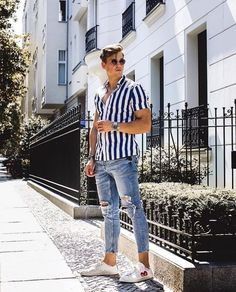 11 Best Mens Fashion Tips To Elevate Your Style! 11 Best Mens Fashion Tips To Elevate Your Style! Trendy Mens Fashion, Mens Fashion Wear, Stylish Mens Outfits, Men Wear, Cali Fashion, Rihanna Fashion, Fashion Tips, Men Summer Fashion, Fashion Ideas