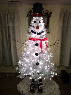 My uncles snowman Christmas tree!!! So cute