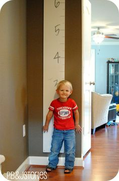 DIY Growth Chart. Portable. I've been wanting to make one of these for years.